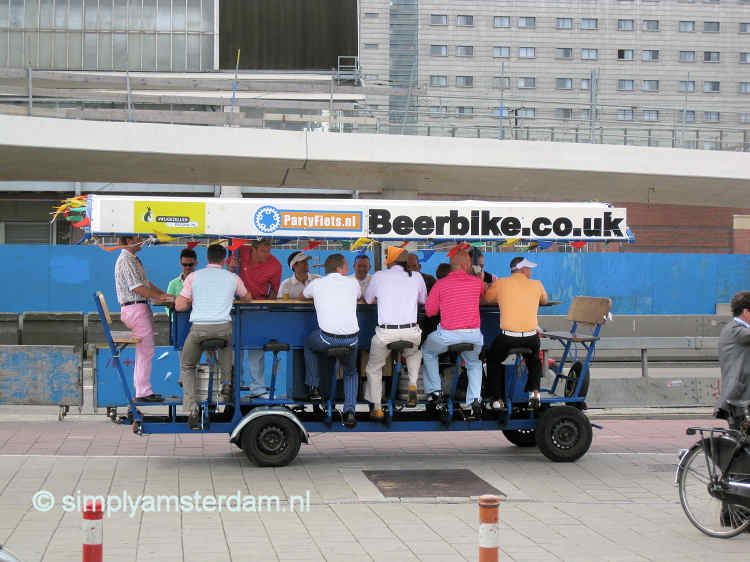6000 Signatures by Amsterdammers against beer bikes