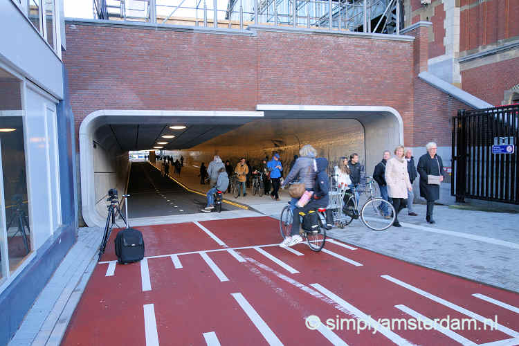 Amsterdam Central has new bicycle tunnel with