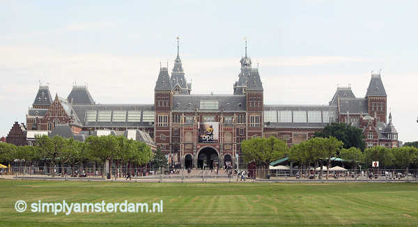 Record number of visitors for Amsterdam Rijksmuseum 2013