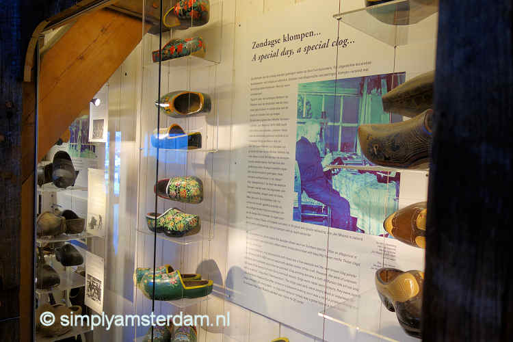 Display wooden shoes @ Zaanse Schans