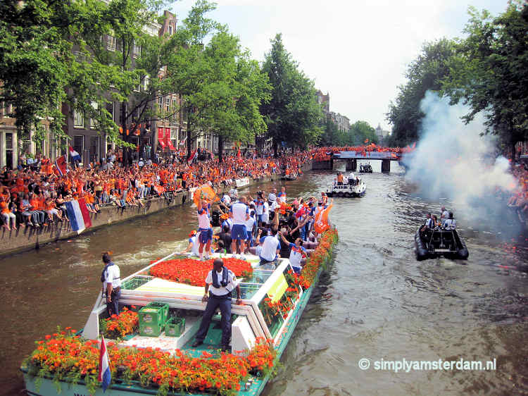 Big home-coming celebration for Dutch soccer team in Amsterdam