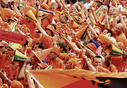 3-0 victory Holland-Italy colours Holland orange