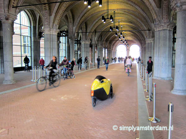 Bike path through the Rijksmuseum passage