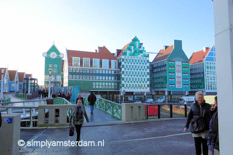 Zaandam, new canal houses