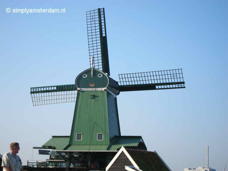 Zaanse Schans suffocated by tourism?